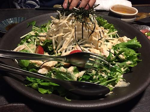 飯能のひもの屋 蒸し鶏と大根の胡麻だれサラダ