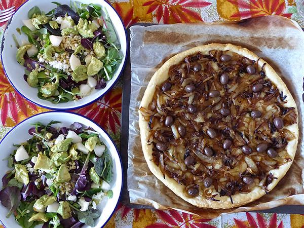 pissaladière et salade