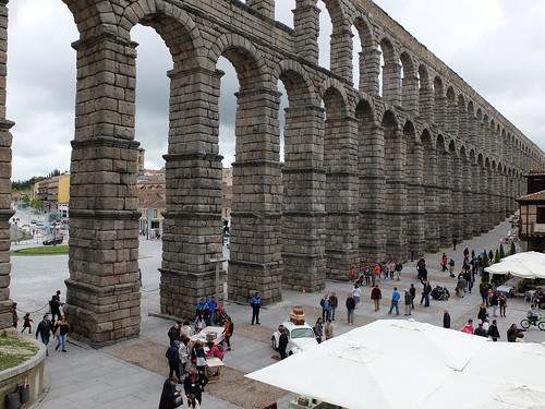Acueducto / Aqueduct