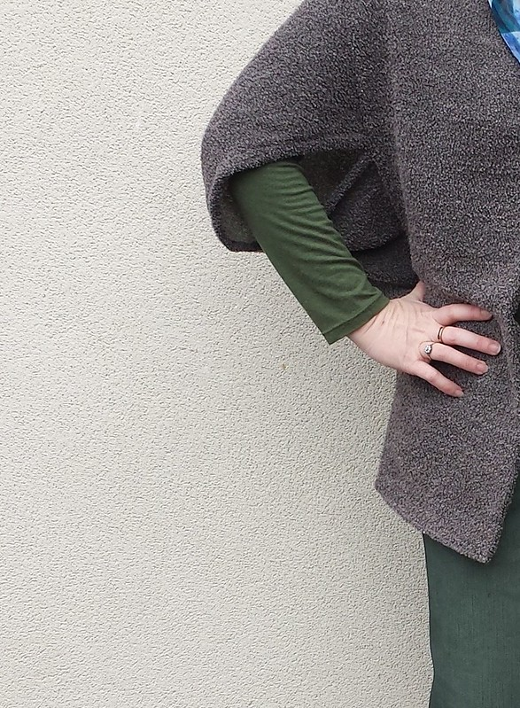 Fadanista Sneaky Shrug in woven wool boucle remnant from Rathdowne Fabrics