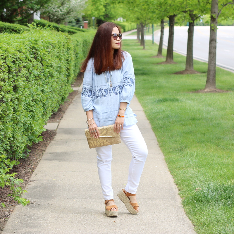 blue-top-white-jeans-lilly-pulitzer-straw-clutch-8