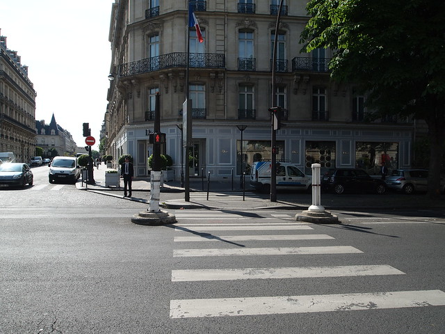 P5281819 Dior(ディオール) シャンゼリゼ大通り L'Avenue des Champs-Élysées パリ フランス paris france