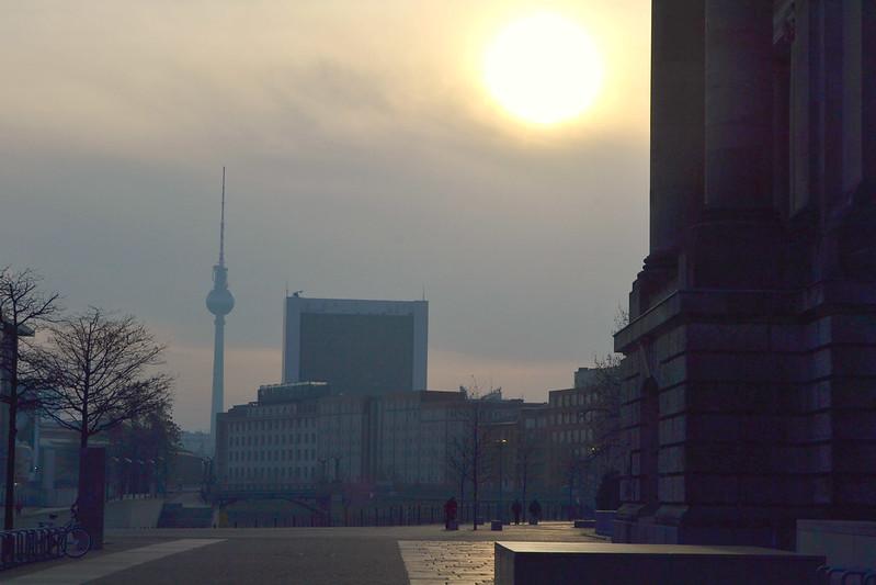a la vuelta del Parlamento Berlin