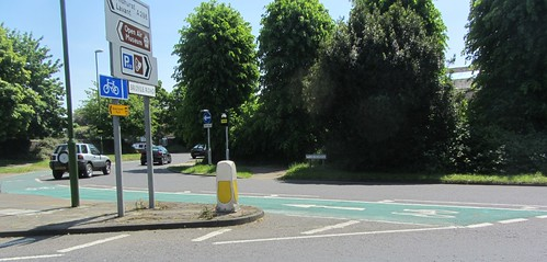 Roundabout with cycle path