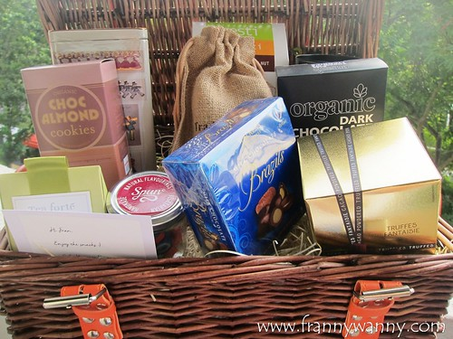 gift hampers singapore 2