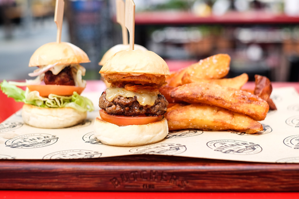 Clarke Quay: The Butchers Club Burger