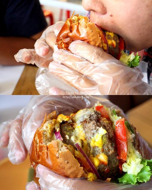 27958053962 64c6a05fdd z - [台中]牛逼洋行--超級無敵厚的漢堡,真的無法一口咬下啊!@自立街 西區(已歇業)