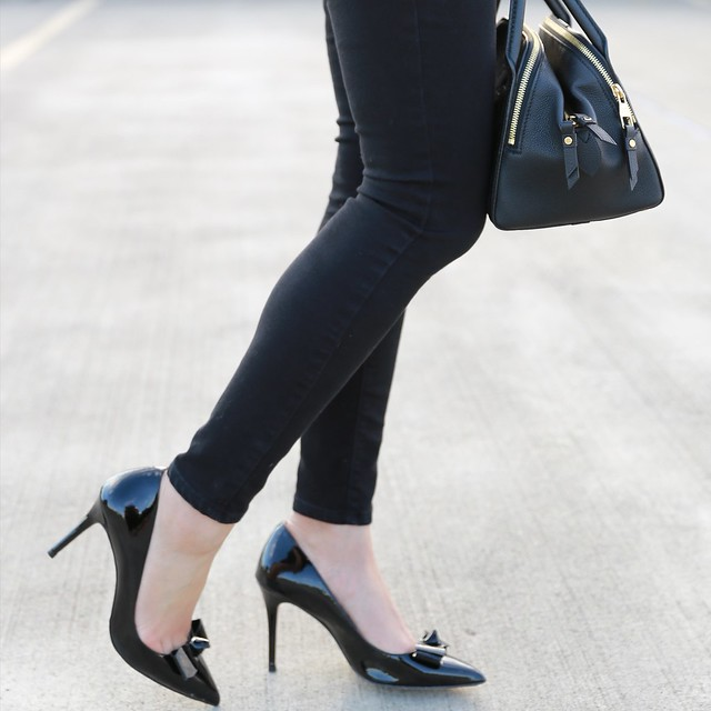 Ann Taylor Charlie Patent Bow Pumps in black