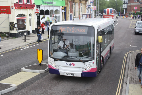 First Hampshire and Dorset 44918 YX09AHE