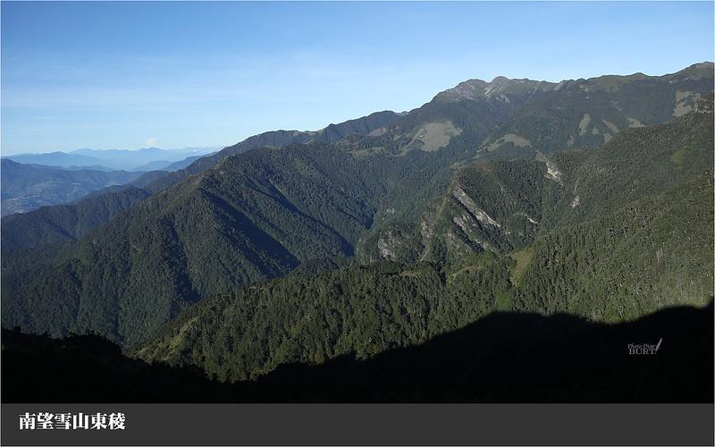 南望雪山東稜