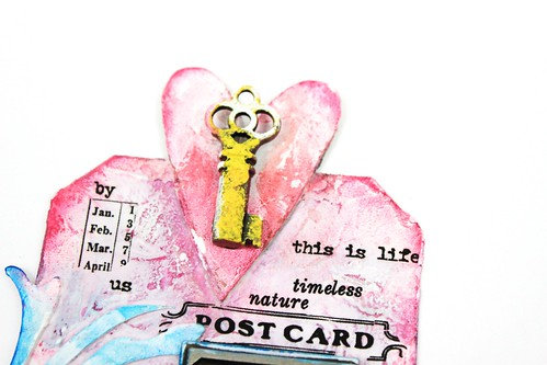 Meihsia Liu Simply paper crafts Mixed media tag texture collection Tim Holtz 2