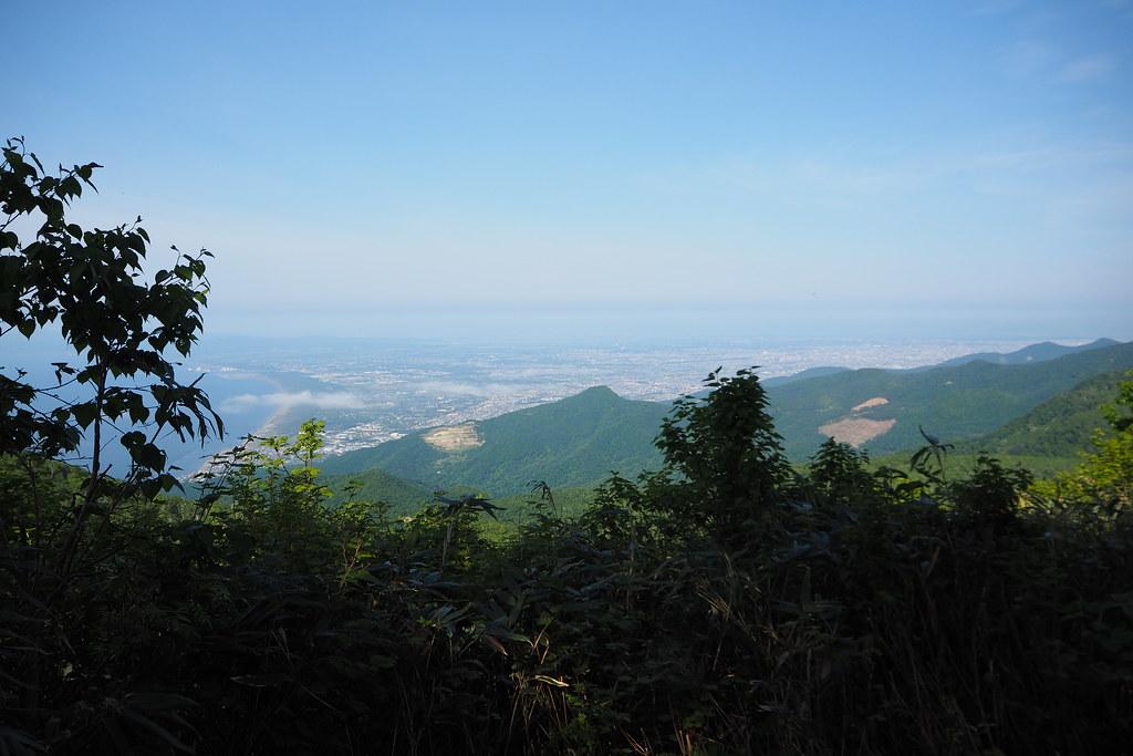 Harukayama and Ginreiso Hut (Hokkaido, Japan)