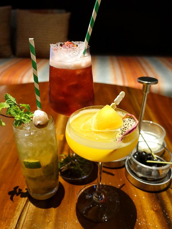 Conrad Manila- C Lounge-007