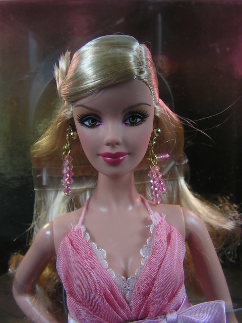 2007 Barbie 2008 The Most Collectible Doll In The World L9590 (1)