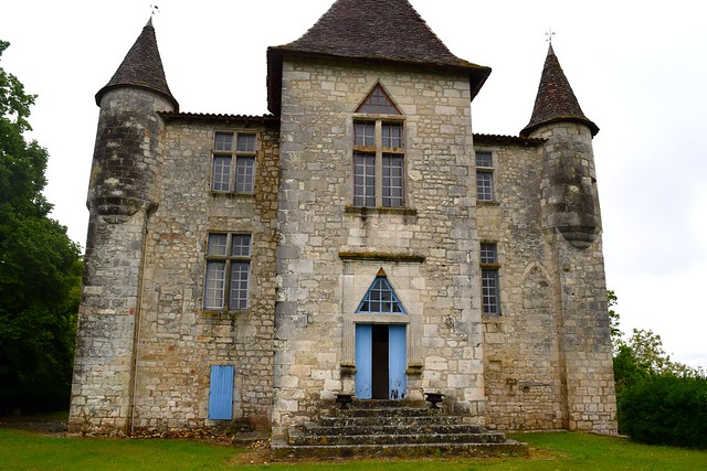 Chateau Panniseau | www.rachelphipps.com @rachelphipps