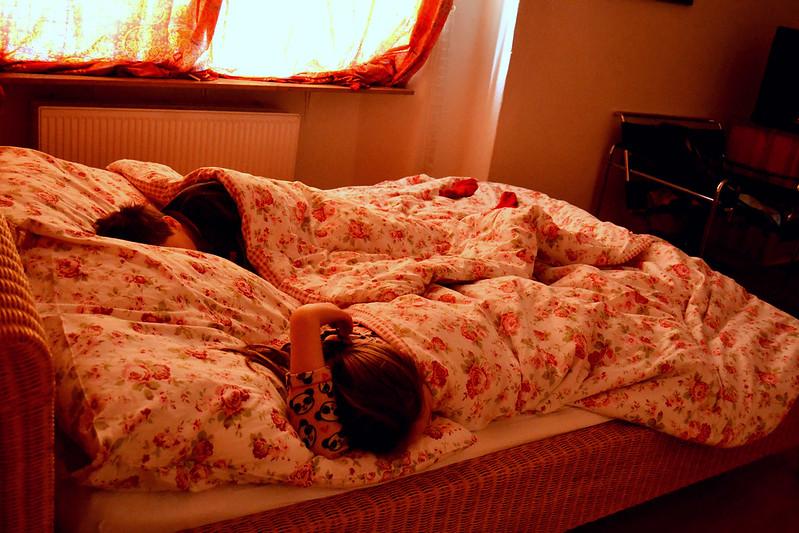 chicos durmiendo dpto. Berlin 2016