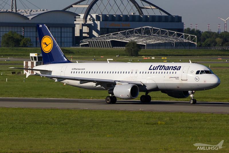 Lufthansa - A320 - D-AIZH (1)