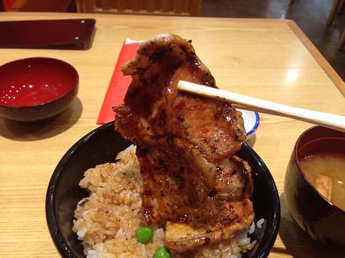 hokkaido-obihiro-butahage-buta-don02
