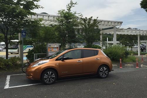日産リーフ急速充電中@東名 富士川SA(下り)