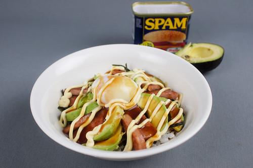 food - アボカドスパム丼