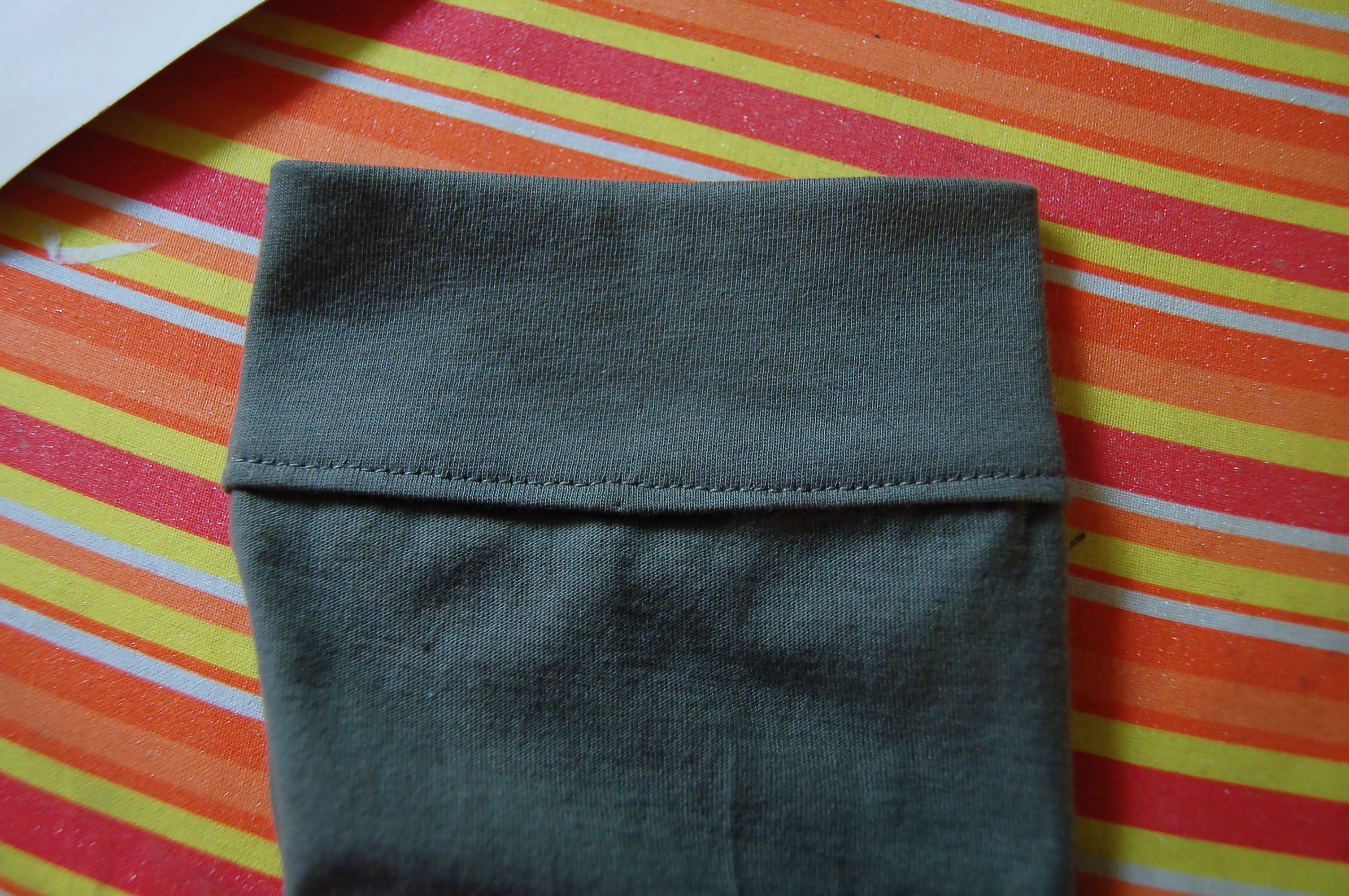 Tricks for sewing a shirt in knit fabric