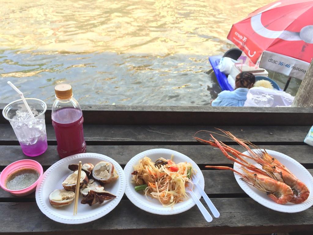seafood in amphawa 2