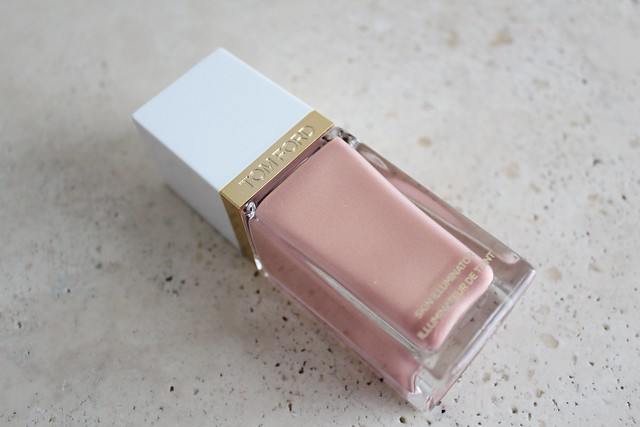 Tom Ford Fire Lust Skin Illuminator review and swatch