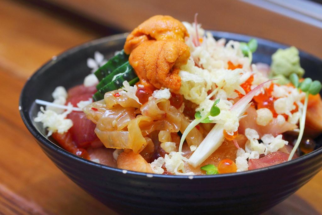 Chirashi Don:Koji寿司吧
