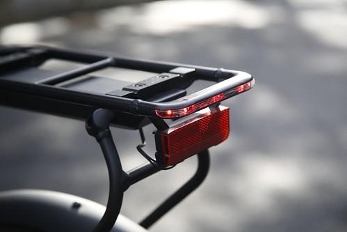 成為陽光型男,我就從Klever E-bike開始 (2)_後反光板