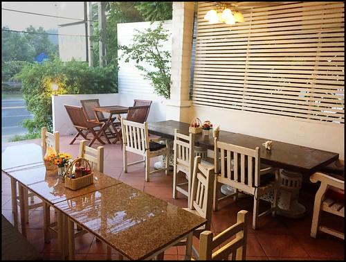 Last calendar week nosotros tried a novel eating spot for dinner BangkokMap: Caffeine Italian Restaurant