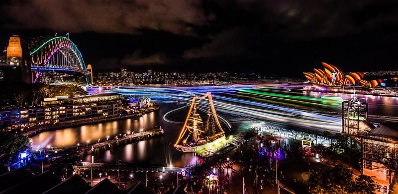 Vivid Sydney 2016_Sydney Harbour_CREDIT Destination NSW_KM-