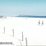 Playa de L`Ahuir, a tan sólo 200 metros de nuestro hotel. Una playa Virgen donde la sensación de relax será una realidad este verano en tus vacaciones ⛱???? Gracias por la foto @cristinabrotons_ ••••••••• L'Ahuir beach, just 200 meters from our hotel.