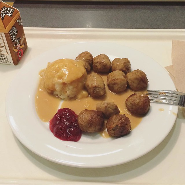 Finally went to IKEA for the first time. I found it underwhelming (minimalism is not my thing), but the Swedish meatballs were 👍.