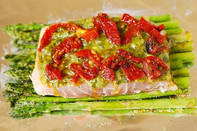 Pesto sea bass and veggies julia 39 s album for Corvina fish recipes