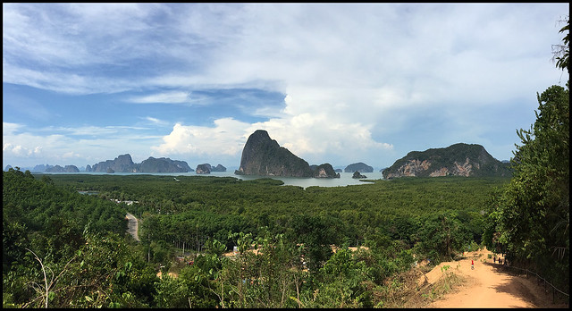 Samet Nangshe View