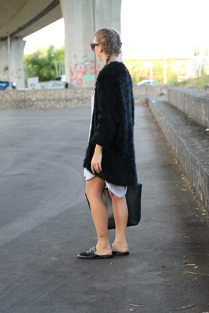 still-in-summer-mood-with-my-new-slippers-whole-look-back-wmbg