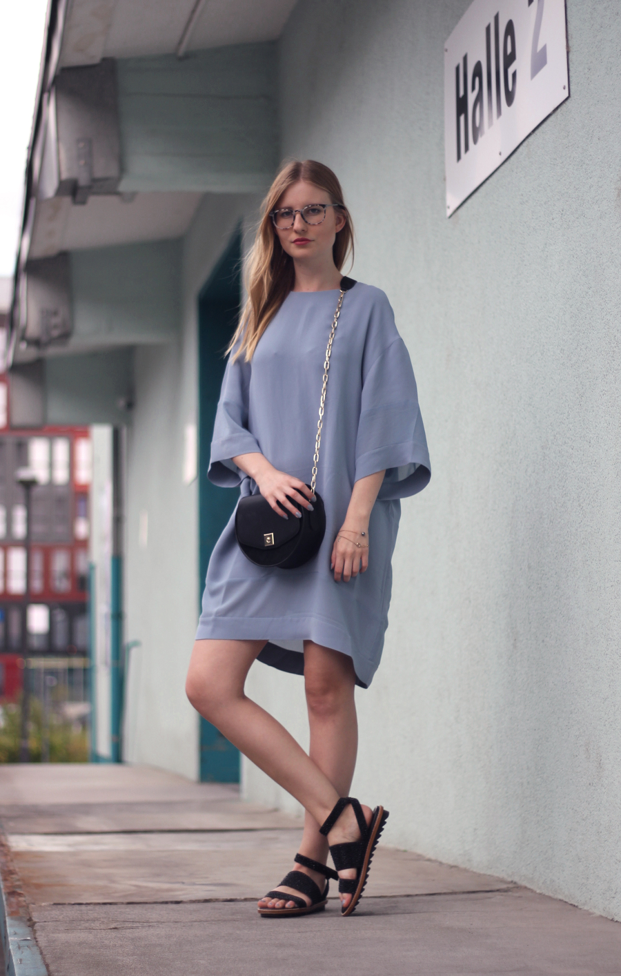 outfit shirt kleid blau mint wand frankfurt zara and other stories
