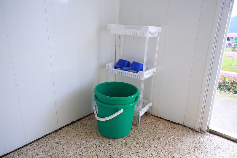 置物區跟水桶