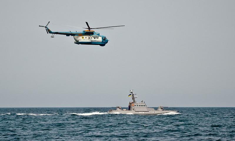 Ходові випробування двох малих артилерійських бронекатерів у відритому морі