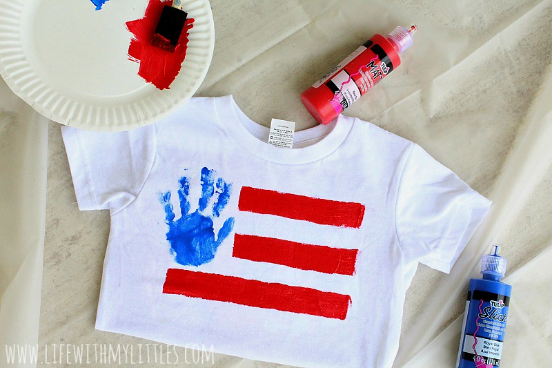 These American flag handprint tees are super easy to make and are the perfect DIY shirts for the 4th of July!