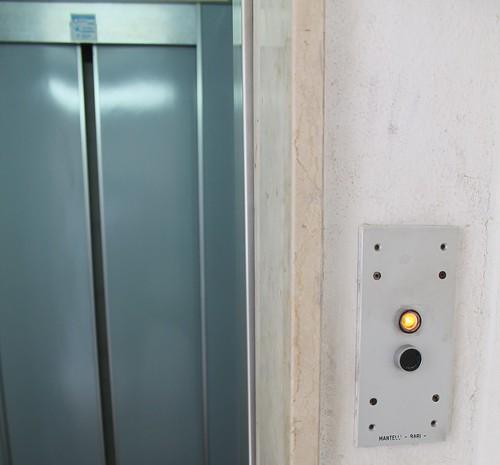 L'ascensore è un viaggio da horror