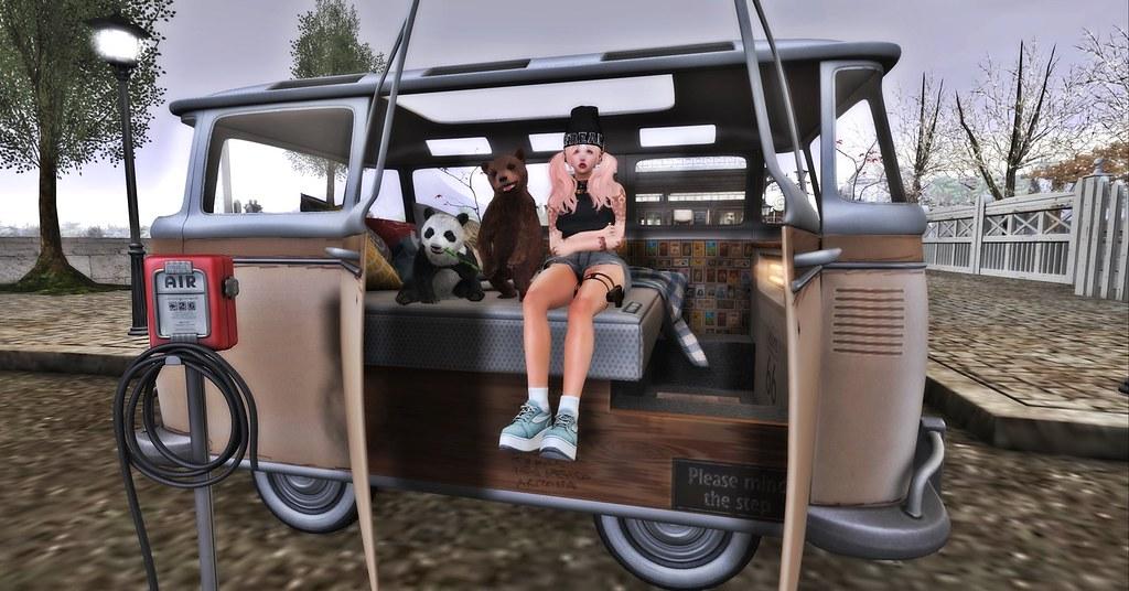 [Con.] The Cuddle Camper - Cream
