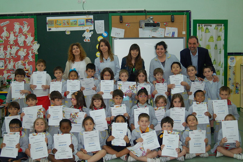Infantil. Entrega diplomas BEDA KIDS