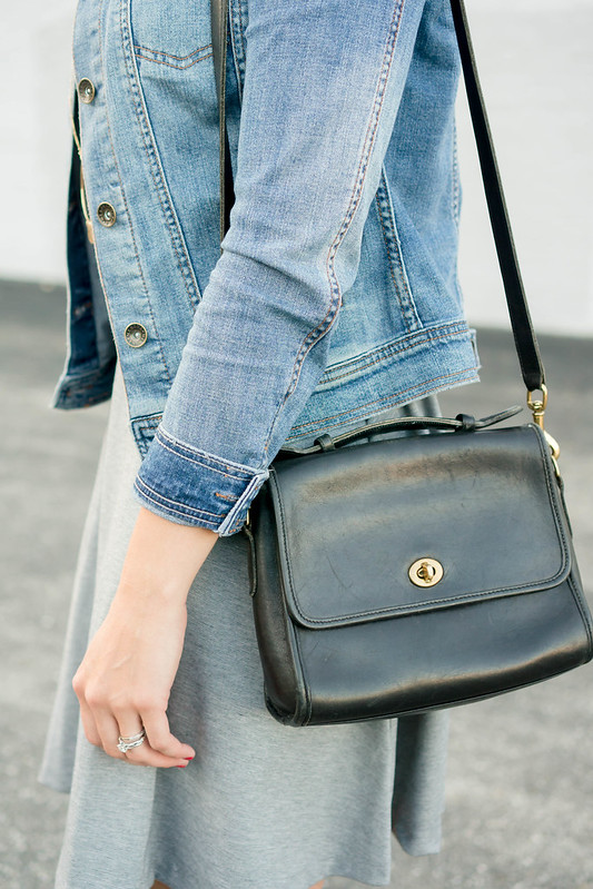 gray dress + jean jacket + black sandals + gold circle necklace | Style On Target