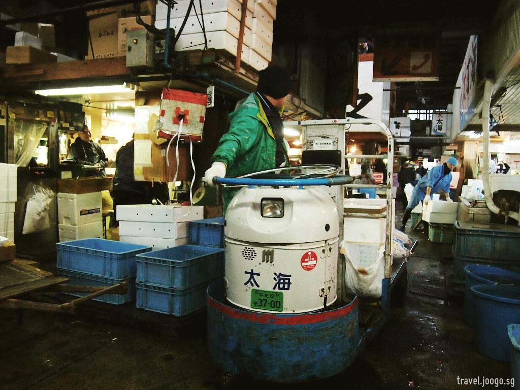Tsukiji Fish Market 3 - travel.joogo.sg