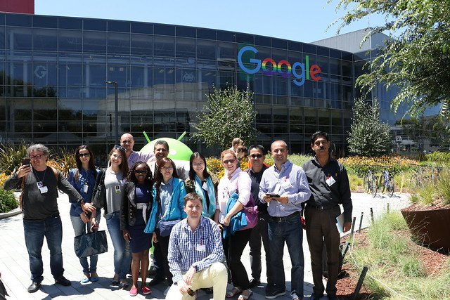 Minh (middle) with the reporting tour at the Google office in the U.S.