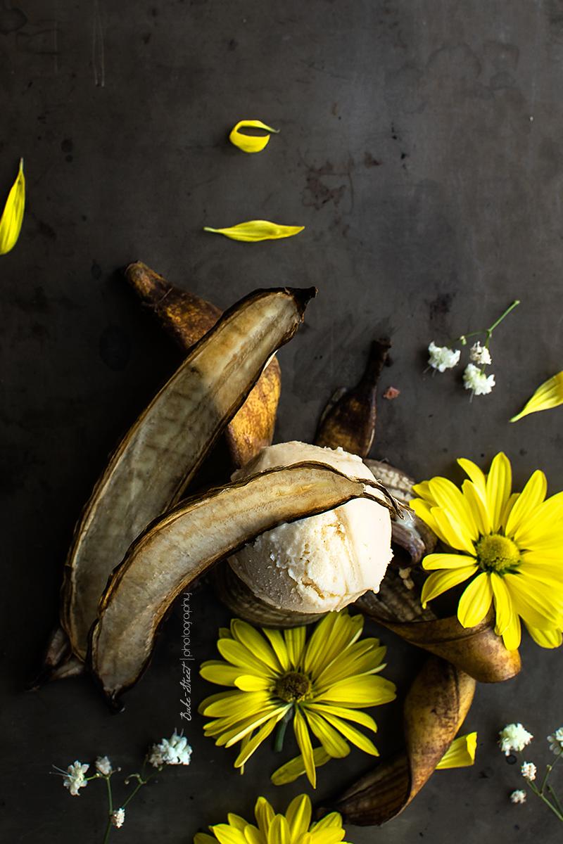 Helado de beurre noisette con chips de plátano