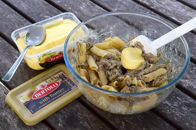 Making Pasta with Bertolli with Butter | www.rachelphipps.com @rachelphipps