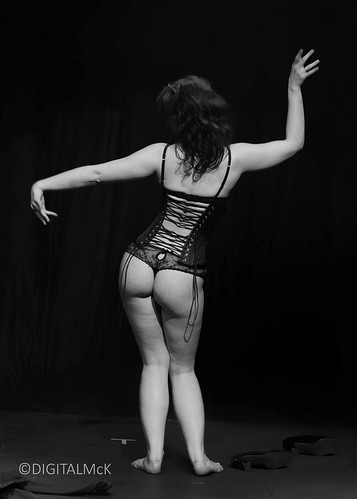 burlesque idol 2016 Round 2