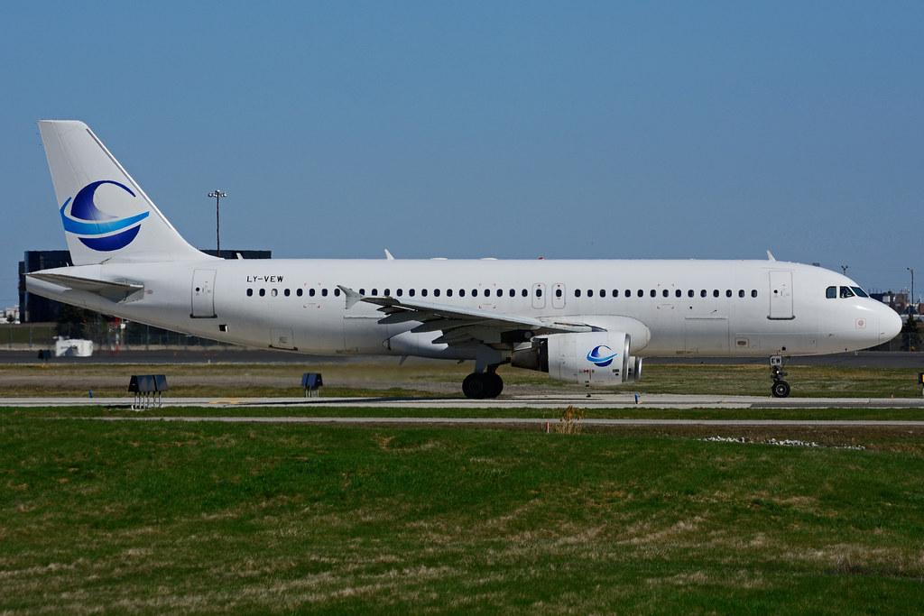 LY-VEW (Avion Express)